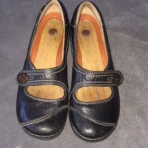 Clarks Unstructured Black Button Mary Jane Flats